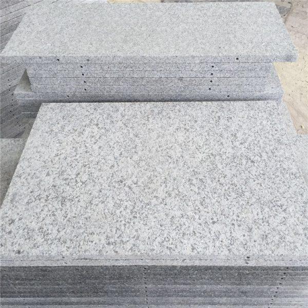 China Hubei G602 Light Grey Granite Flamed Tiles